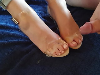 cumshot foot fetish