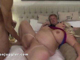 big boobs voyeur