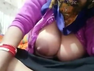 fingering big boobs